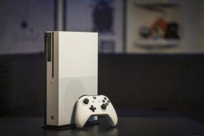 Nên mua Xbox One hay PS4? So sánh đánh giá ưu nhược điểm từng máy