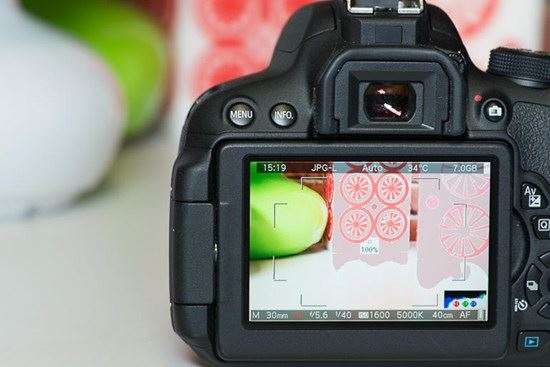 Sạc Pin đúng cách cho máy ảnh giúp pin sử dụng được lâu hơn