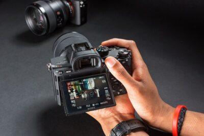 Các loại máy ảnh Sony nào tốt nhất: Máy cơ, DSLR, Alpha Mirrorless