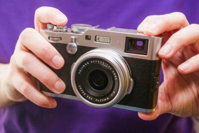 Nên mua máy ảnh compact nào tốt nhất: Fujifilm, Panasonic, Canon