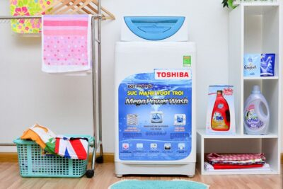 Review máy giặt Toshiba cửa trên có tốt không, giá bán bao nhiêu