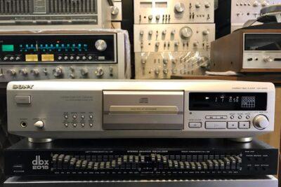 Đầu CD nào nghe nhạc vàng hay nhất: Marantz hay Sony