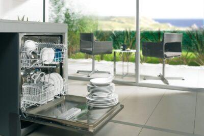 Đánh giá máy rửa chén Toshiba DWS-22AVN có tốt không, giá bao nhiêu