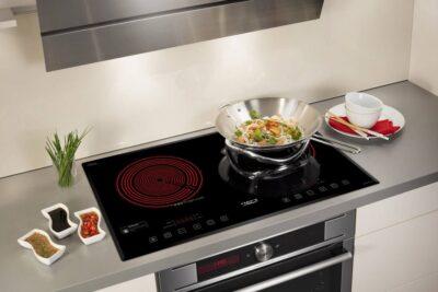 So sánh nên dùng bếp điện hay bếp ga an toàn tiết kiệm hơn