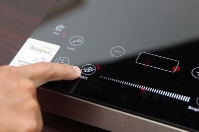 Đánh giá bếp hồng ngoại Whirlpool có tốt không? 5 lý do nên mua dùng