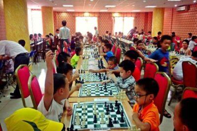 Chơi cờ vua sẽ giúp trẻ thông minh hơn