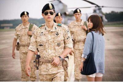 """Trang điểm tự nhiên giống Song Hye Kyo trong phim """"Hậu duệ mặt trời"""""""