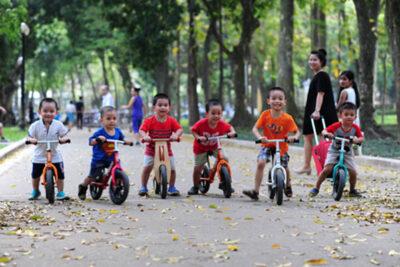 Xe thăng bằng – Món quà Trung thu độc đáo cho bé