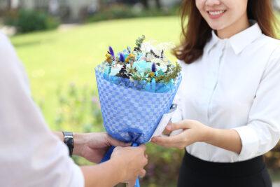 Sau tất cả, hoa vẫn là quà 20/10 ý nghĩa nhất dành tặng phái đẹp