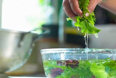 Những cách sơ chế thực phẩm hiệu quả để loại bỏ độc tố