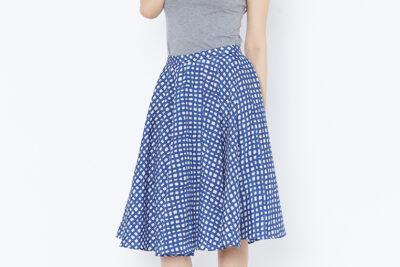 Mix các kiểu áo với chân váy xòe – Set đồ mùa xuân hoàn hảo