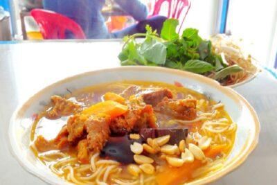 Ăn gì ở Phan Thiết với 8 món ngon đặc sản nổi tiếng cho bữa đêm và bữa sáng