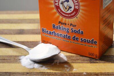 5 cách vệ sinh lò vi sóng bằng giấm, baking soda, chanh cực nhanh sạch