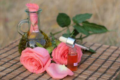 7 loại tinh dầu xông mặt tốt đặc biệt hiệu quả cho da khô, da mụn