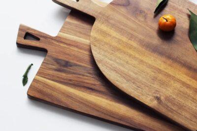 Nên dùng thớt gỗ hay nhựa trong nấu ăn để an toàn cho sức khỏe
