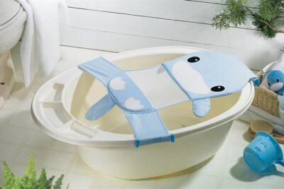 10 dụng cụ tắm cho bé thiết yếu tiện dụng thông minh chất liệu an toàn