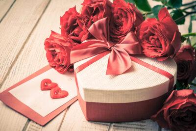 14/2 tặng quà gì? 10 điều nên và không nên khi chọn quà valentine cho nửa kia