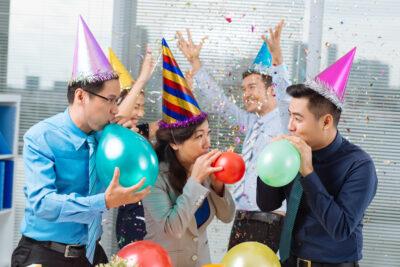 10 ý tưởng tổ chức 8/3 cho công ty độc đáo vui vẻ ấn tượng khó quên