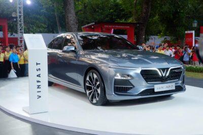 Đánh giá xe VinFast Lux A2.0 có tốt không? 10 lý do nên mua chi tiết