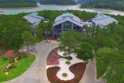 15 resort Hồ Tuyền Lâm Đà Lạt 3-5 sao tiện nghi view chất giá từ 500k