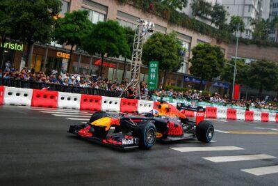 Review giá vé xem giải đua xe F1 tại Việt Nam từ 1tr7 có ưu đãi gì