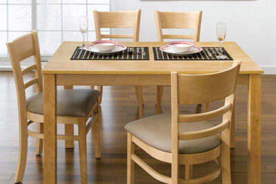 Đánh giá bộ bàn ăn 4 ghế Ulsan IBIE có tốt không, giá bao nhiêu