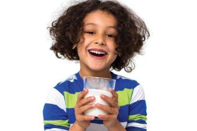 Sữa tiệt trùng Nestle 48 hộp x 180ml có tốt không, giá bao nhiêu