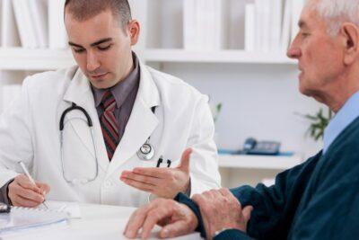 Có nên tầm soát ung thư tuyến tiền liệt? Ai nên khám bệnh định kỳ