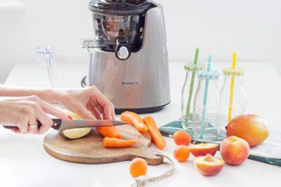 Hướng dẫn cách làm nước ép cà rốt dứa giúp tăng cường hệ miễn dịch