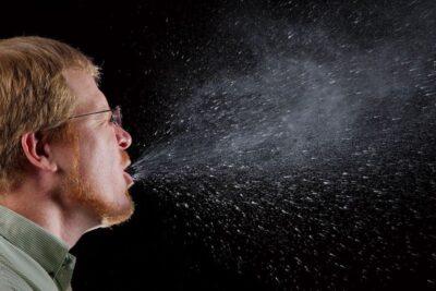 Sốt phát ban ở người lớn kiêng gì? 8 điều cần tránh kẻo bệnh nặng