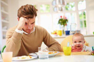 """'Tôi không phải là một người cha đủ tốt"""" – Đàn ông cũng bị trầm cảm sau sinh"""