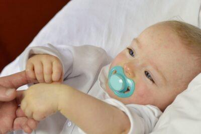 11 cách điều trị sốt phát ban ở trẻ sơ sinh khoa học hiệu quả an toàn