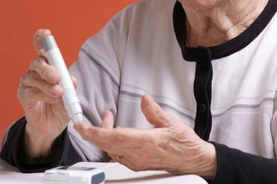 Bệnh tiểu đường có nguy hiểm không? 8 biến chứng không thể xem nhẹ