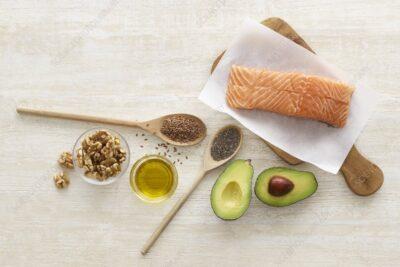 Viêm đa khớp dạng thấp kiêng ăn gì? 8 thực phẩm khiến bệnh thêm nặng