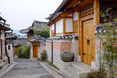 Review làng cổ Bukchon Hanok Seoul Hàn Quốc có đẹp không chi tiết