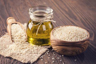 Hướng dẫn cách dùng dầu mè trong nấu ăn đúng giữ nguyên dưỡng chất