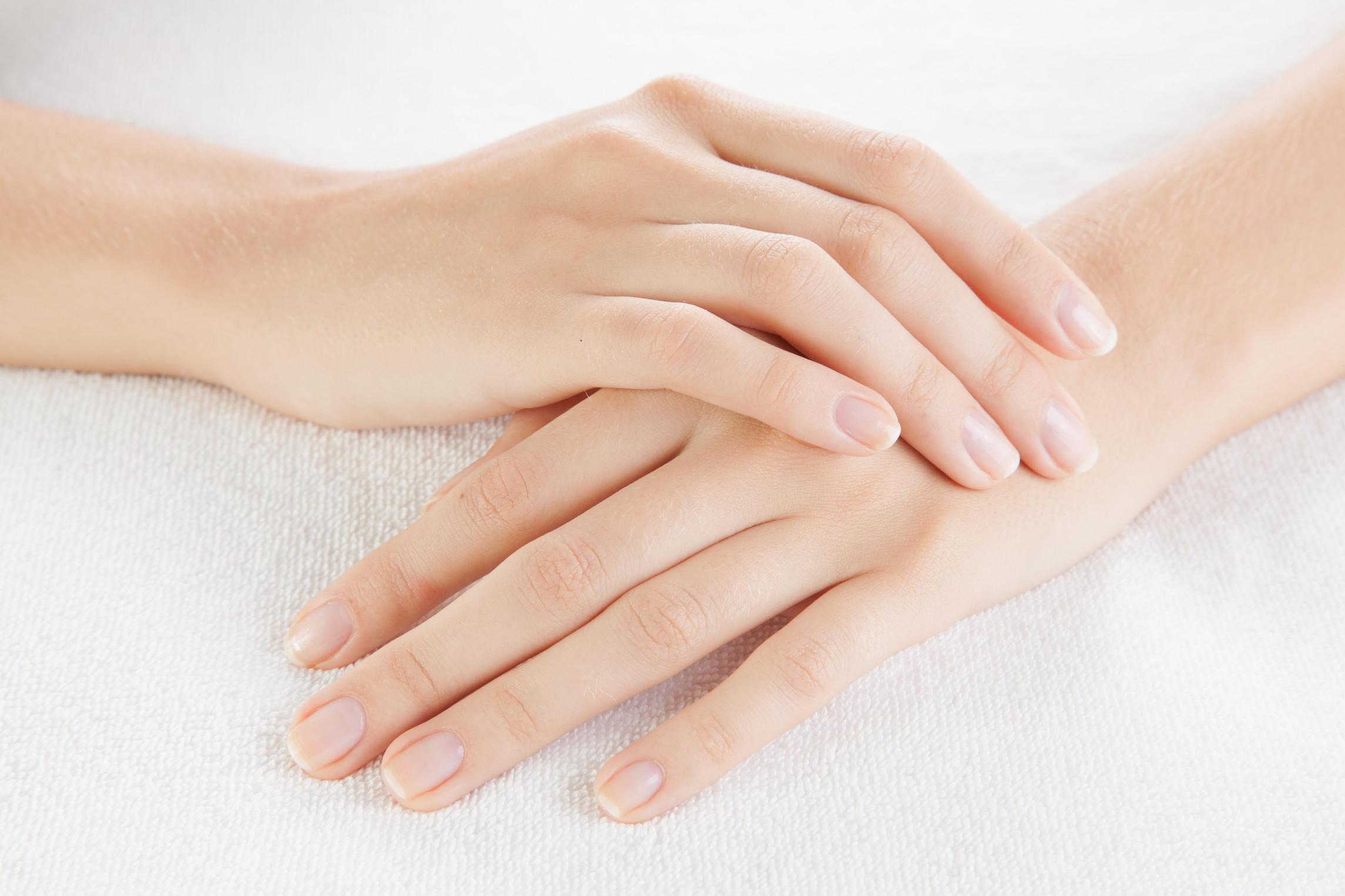 Bột giặt Aba được sản xuất với công thức nhẹ dịu, không gây tổn hại đến da tay của bạn