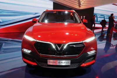 Bảng giá full option xe VinFast Lux SA2.0 mới nhất kèm review chi tiết