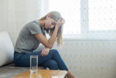 4 cách so sánh phân biệt giữa hoảng loạn và rối loạn lo âu