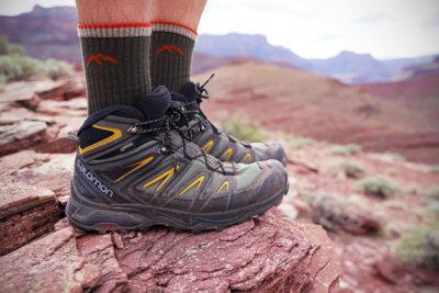 15 mẫu giày đi phượt nam đẹp chất năng động chống nước giá từ 1tr5