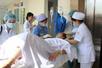 Hướng dẫn cách xử trí băng huyết sau sinh trước khi tới bệnh viện