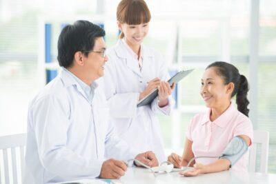 10 dịch vụ chăm sóc sức khỏe người cao tuổi tốt nhất ở Hà Nội, HCM