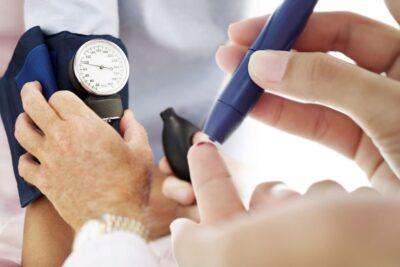 Hướng dẫn cách chăm sóc người già bị tiểu đường type 2 tốt nhất
