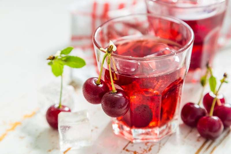 Nước ép quả cherry tốt cho giấc ngủ