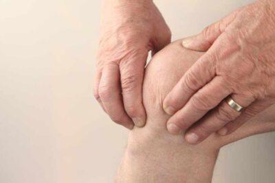 Tê bì chân tay sau tai biến là gì, nguyên nhân, biểu hiện, cách cải thiện