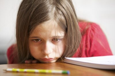 Bé gái mắc ADHD có nguy cơ tự làm tổn thương cao hơn khi là thành niên