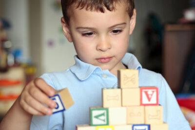 Trẻ có thể khỏi tự kỷ khi lớn lên hay không theo nghiên cứu mới nhất