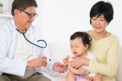 5 lý do có nên mua gói tiêm chủng cho trẻ sơ sinh phòng bệnh hiệu quả