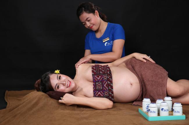 Viet-Care cung cấp dịch vụ massage bầu tại nhà uy tín