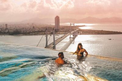 Review Golden Bay Đà Nẵng có gì hay: Địa điểm, Giá phòng, Dịch vụ